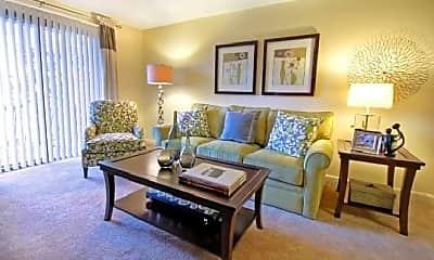 Living Room, 670 Princeton Blvd, 2