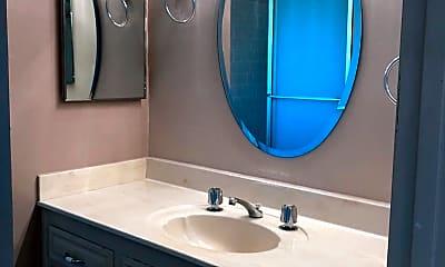 Bathroom, 1001 Mohawk St, 2