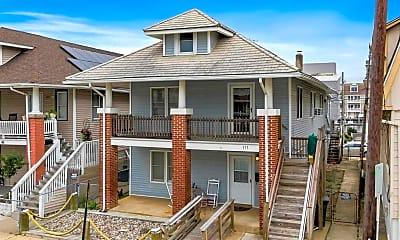 Building, 111 N Windsor Ave, 1