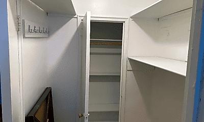 Bathroom, 41-50 78th St, 1