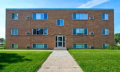 Building, Shamrock Lane Apartments, 1