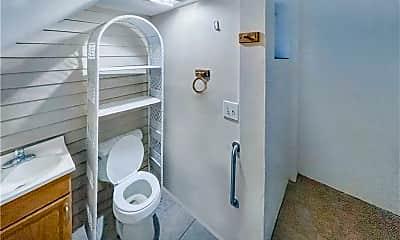 Bathroom, 410 W 36th St C, 2