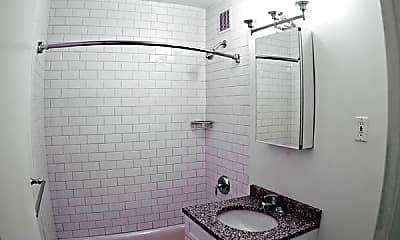 Bathroom, 2411 E 3rd St, 2