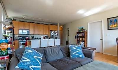 Bedroom, 701 S Wells St, 2