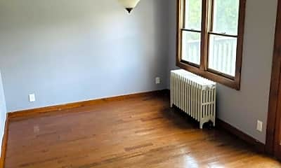 Bedroom, 96 Brunswick Ave, 2