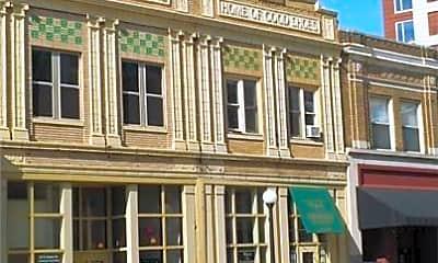 Building, 10 E Main St, 2