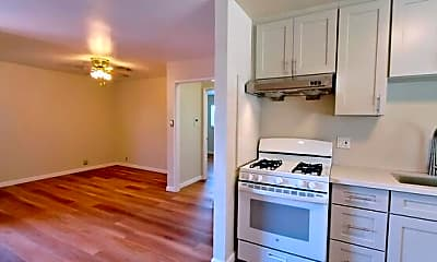 Kitchen, 2038 Clarmar Way, 1