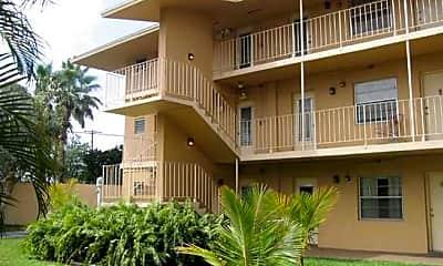 Esquire Apartments, 2