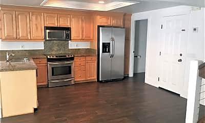 Kitchen, 657 S Cedros Ave, 1