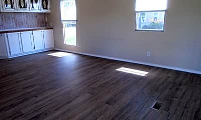 Living Room, 104 McCausley Rd 3, 1