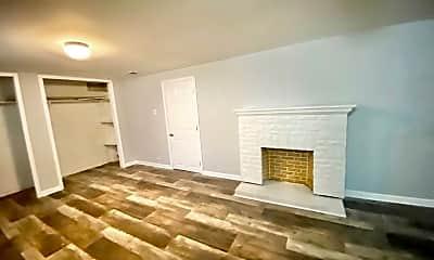 Living Room, 1815 N Holmes Ave, 2