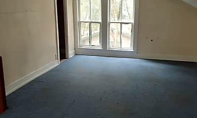 Living Room, 909 Kolb St, 1