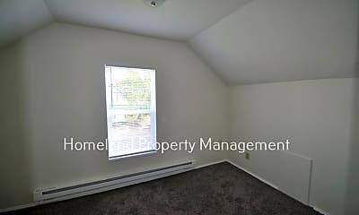 Bedroom, 728 E Bridgeport Ave, 2