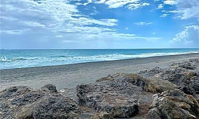 67 N Beach Rd, 1