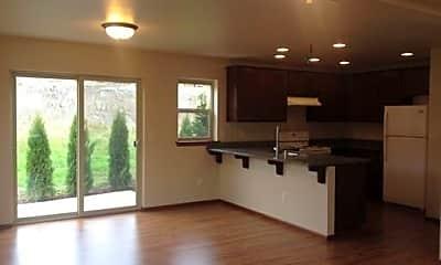 Building, 5755 Fallbrook Ln, 1
