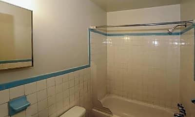 Bathroom, 515 Woodland Ave, 1