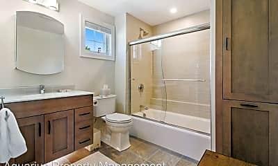 Bathroom, 3 King St, 2
