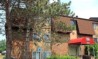 Gaslight Apartments, 1
