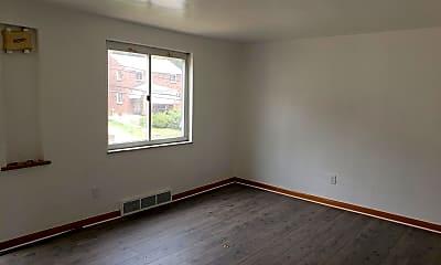 Building, 823 Hartman St, 1