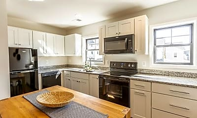 Kitchen, 556 Lochlyn Hill Dr B, 0