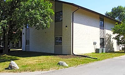 Building, Shadowwood Apartments, 1