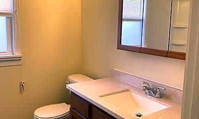 Bathroom, 133 E Broadway Ave, 2