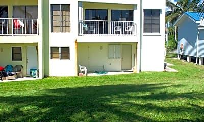 Building, 612 S Ocean Dr, 1