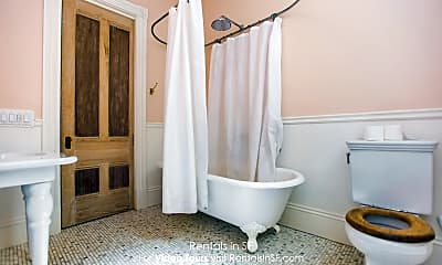 Bathroom, 2903 Mission St, 2