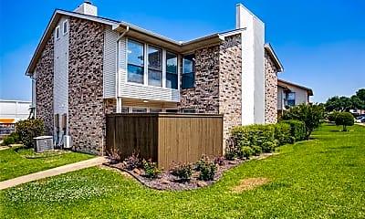 Building, 2813 Meadow Park Dr B, 0