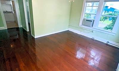 Living Room, 304 N Westland Ave, 1