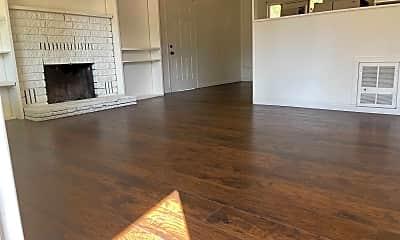 Living Room, 2420 Marlene Ave, 1