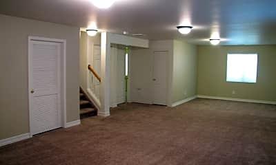 Family Room.JPG, 4135 Heathmoor Dr., 1