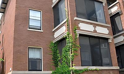 Building, 908 W Waveland Ave, 2