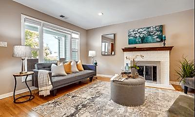 Living Room, 618 Topaz St, 1