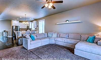 Living Room, 4015 St Paul Ln, 1