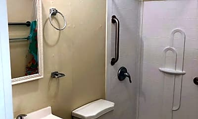 Bathroom, 3211 Carver Ave, 2