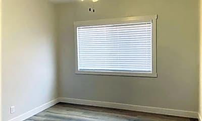 Bedroom, 927 W 1st St, 2