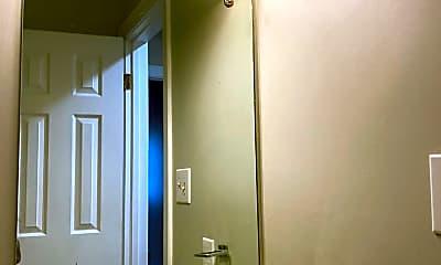 Bathroom, 119 Harper St, 2