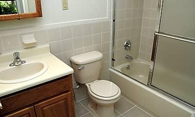 Bathroom, Florida Grove Manor and Arms, 2