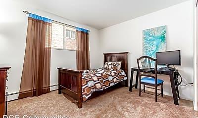 Bedroom, 680 Riverview Drive, 2