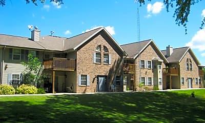 Building, 170 W Pioneer Rd, 2