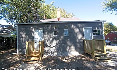 Patio / Deck, 1011 E Locust St, 1