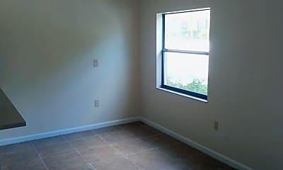 Bedroom, 927 N Iowa Ave, 2