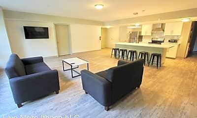Living Room, 114 Summit St, 1