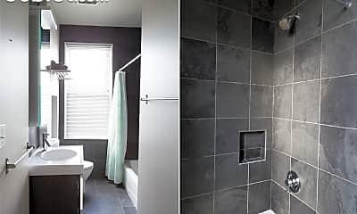 Bathroom, 3343 Ligonier St, 2