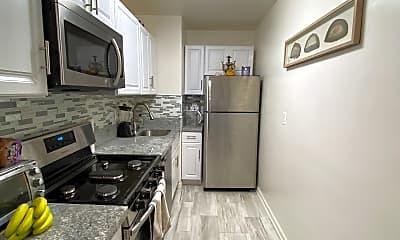 Kitchen, 10201 Grosvenor pl, 2