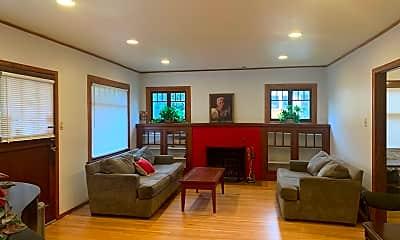 Living Room, 3005 SE 25th Ave, 0