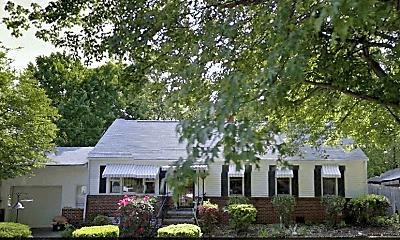 Building, 505 Pocahontas St, 2