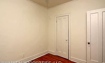 Bedroom, 4501 N Oakley Ave, 2