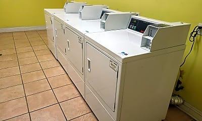 Kitchen, 701 S Mariposa Ave, 2
